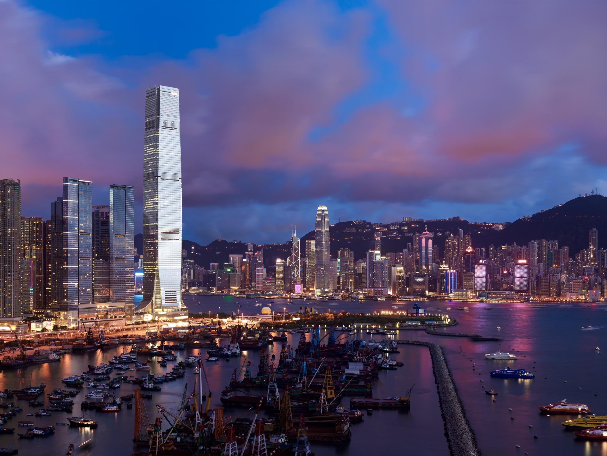 International-Finance-Centre-Hong-Kong-skyscraper-by-KPF