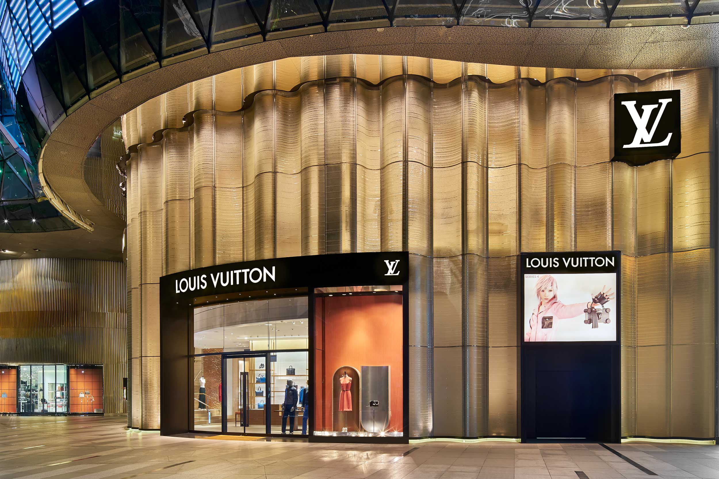 Louis-Vuitton-store-ION-Orchard-Singapore-facade