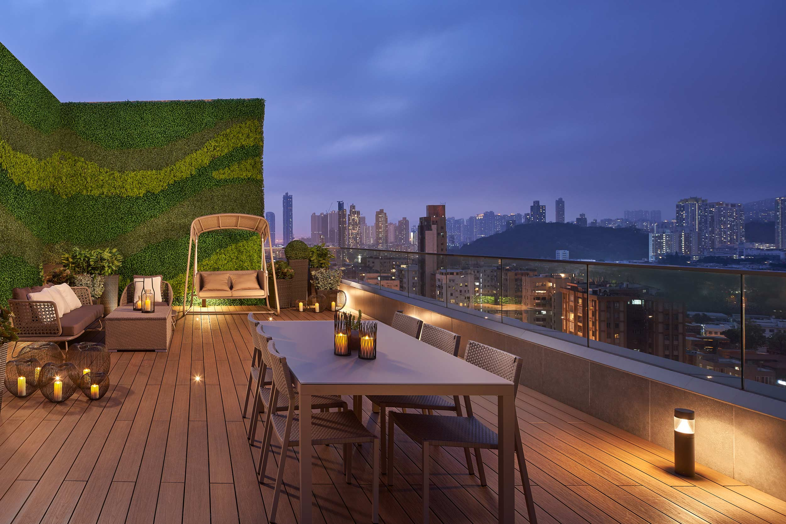 Penthouse-rooftop-dusk-panorama