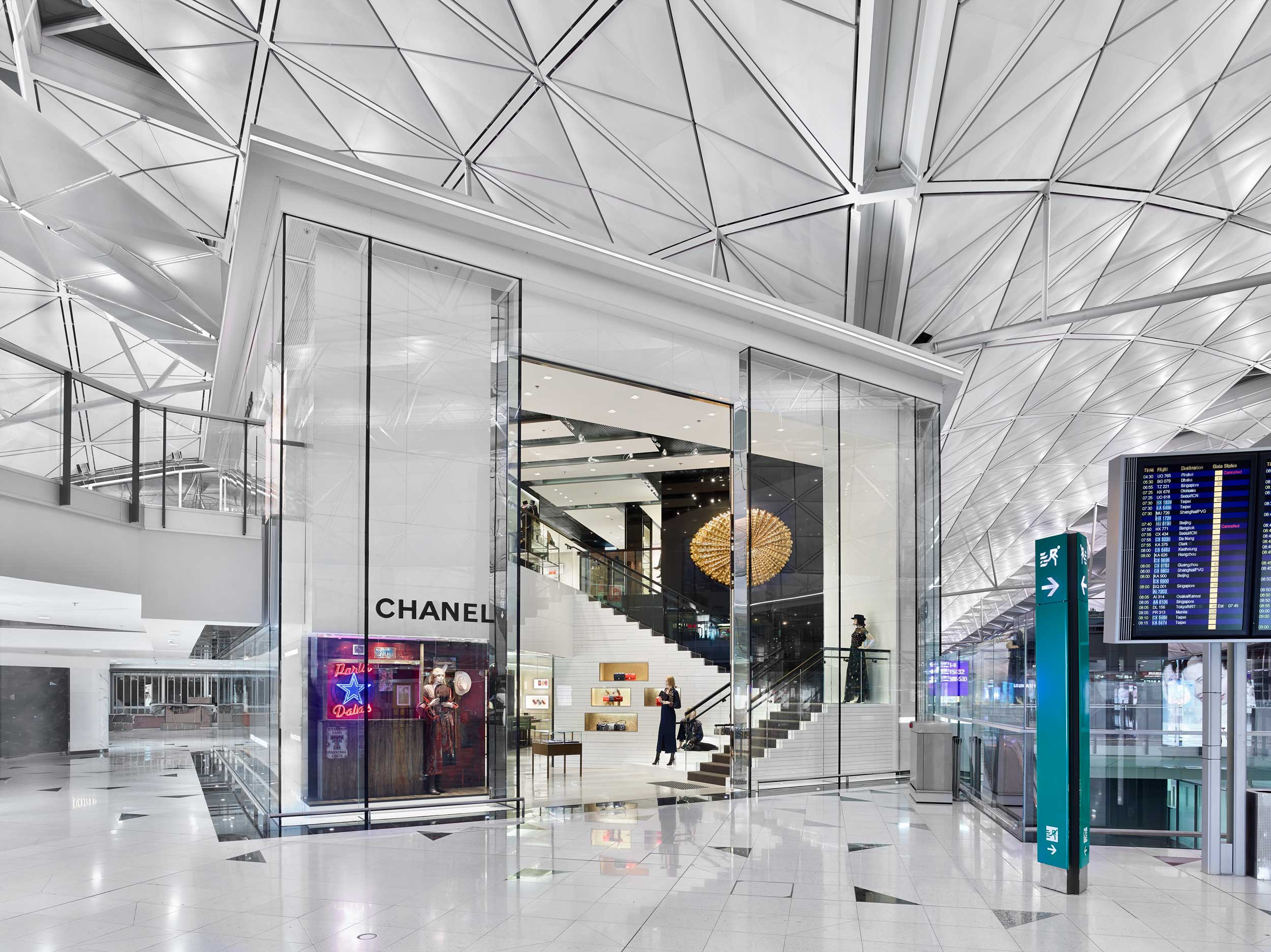 Retail-Chanel-HongKong-airport