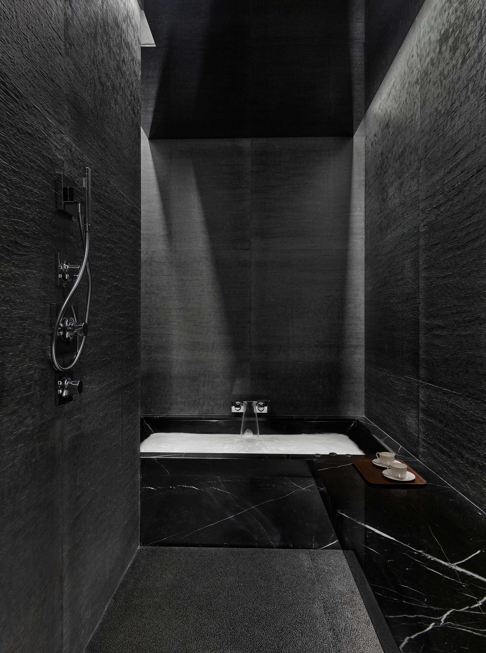 Taikoo-Place-apartments-bathroom