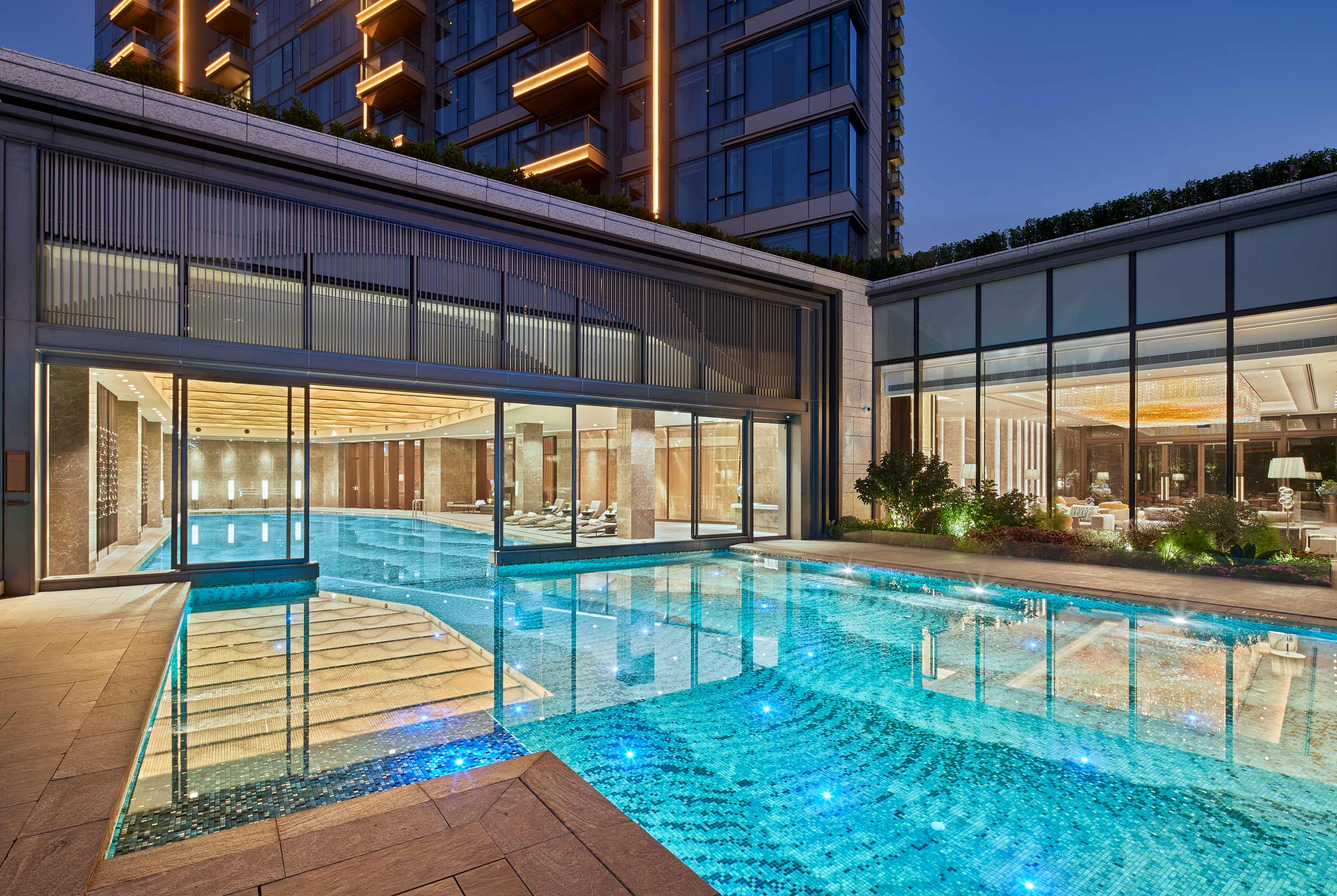 Victoria-Harbour-residences-pool